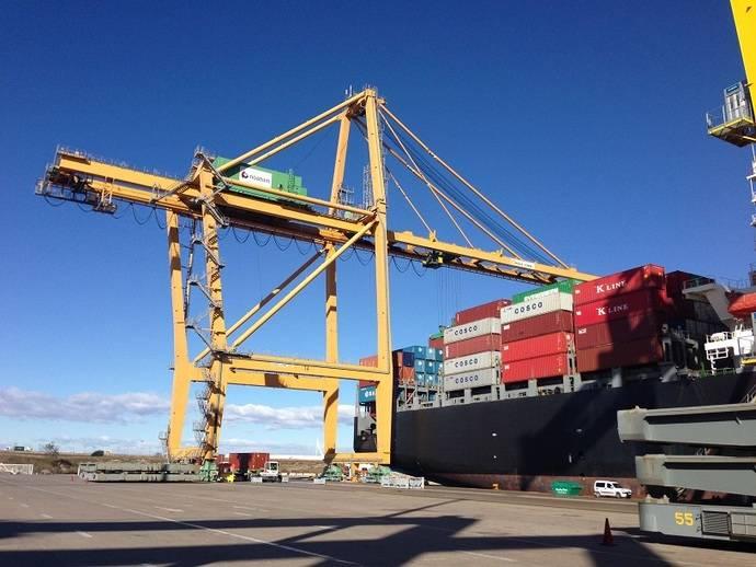 Huelga en las actividades de estiba y desestiba en todos los puertos españoles