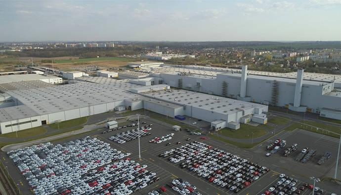 PSA producirá sus vehículos comerciales grandes en Gliwice, hasta finales de 2021