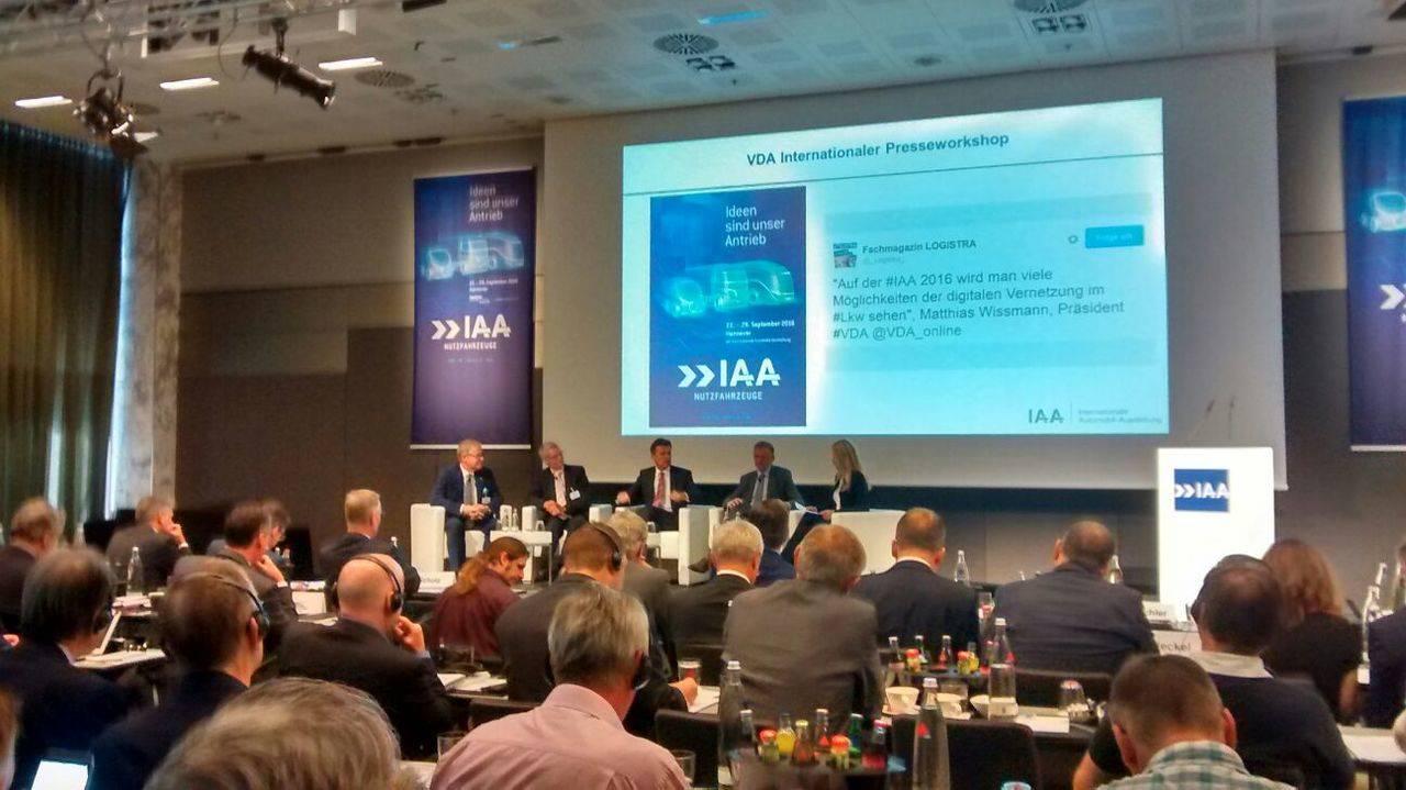 La VDA muestra en la previa de la IAA el camino hacia el futuro del Sector