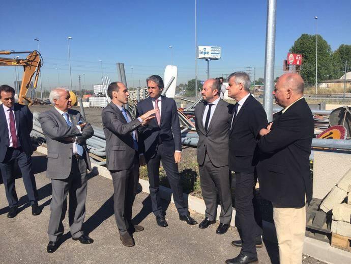 Íñigo de la Serna presenta las obras de ampliación de carriles de la autovía A-5 en Móstoles