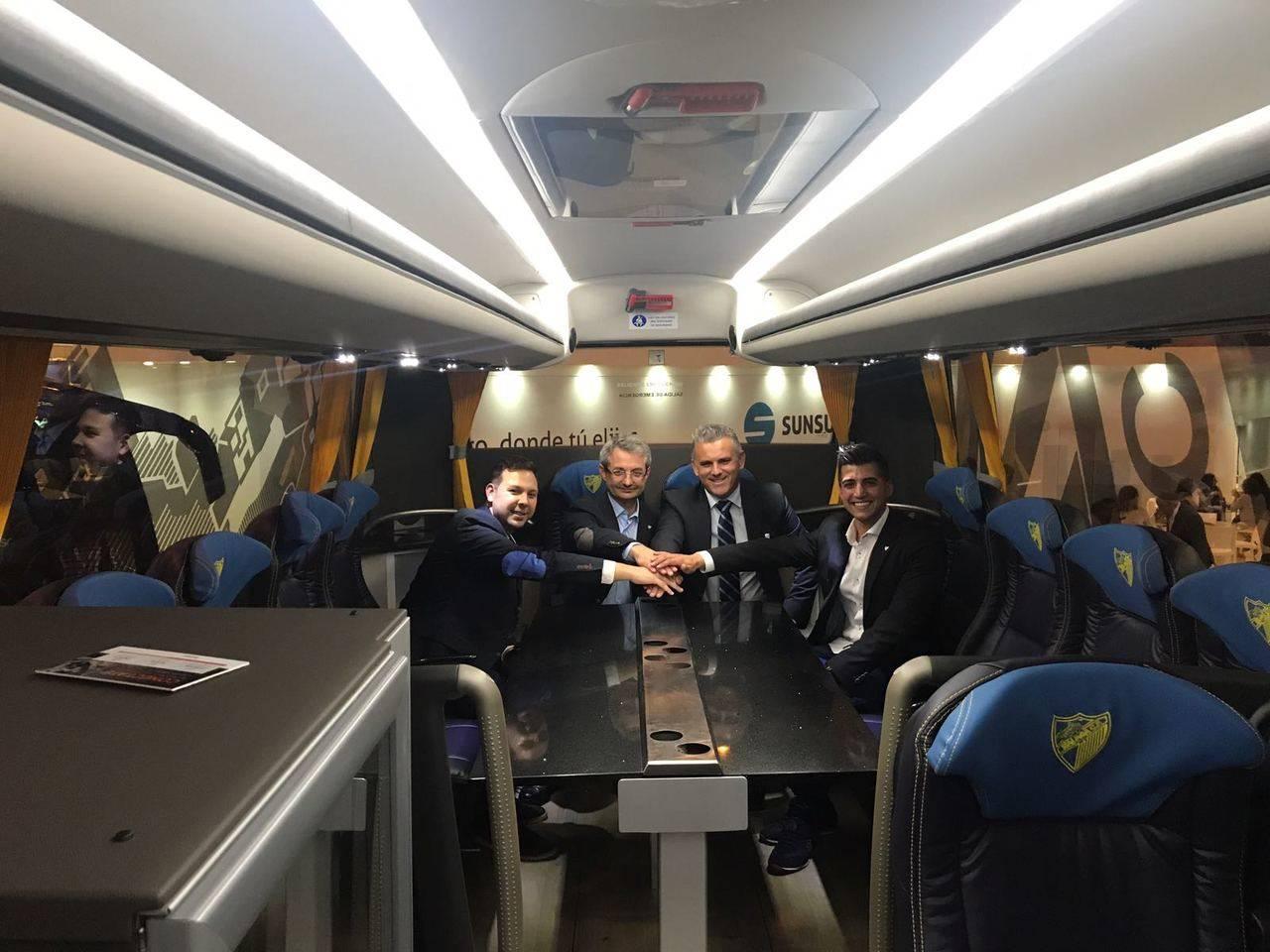 Presentación del nuevo autocar oficial del Málaga para la temporada 2017-18
