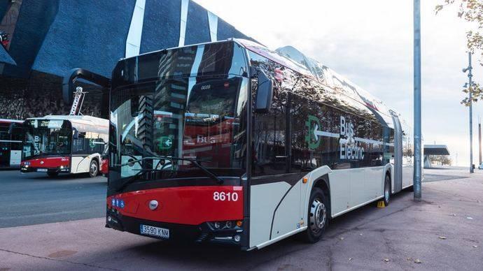 Solaris presenta en Barcelona tres nuevos autobuses de 18 metros 100% eléctricos