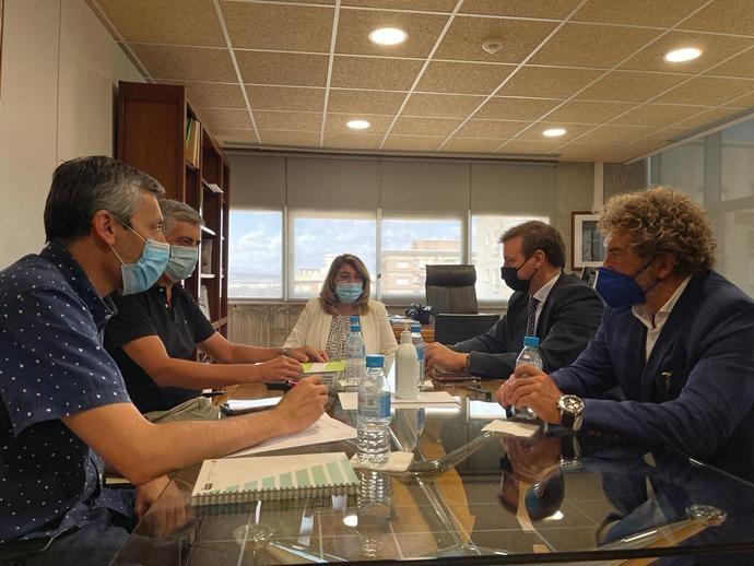 Direbús avanza en su posición de lobby del transporte escolar de Murcia
