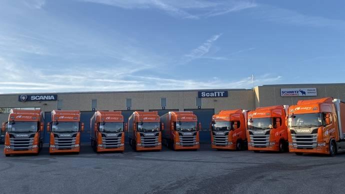 La empresa Ondara Logística amplía su flota con 8 tractoras Scania