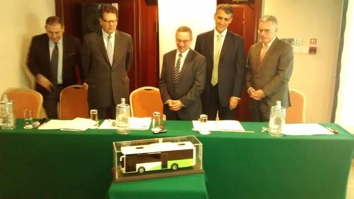 De izquierda a derecha: Ali Murat Atlas, Halit Akgün, Joe Mizzi, Felipe Cosmen y José Pons.