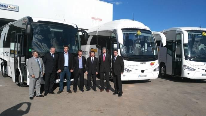 Transunión Mallorca presenta sus 30 chasis OC 500 y 10 Atego Mercedes-Benz
