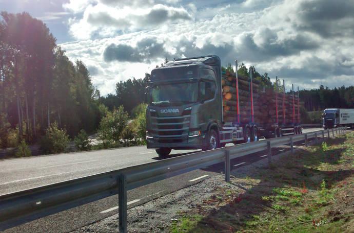 Scania fabrica su nueva generación de camiones mirando a la cara al futuro