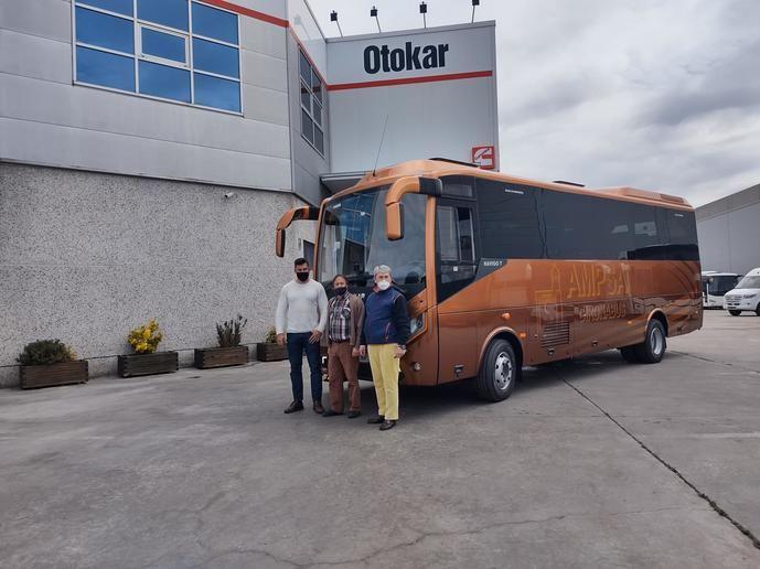 Ampsa compra un autobús Otokar apto para transporte escolar