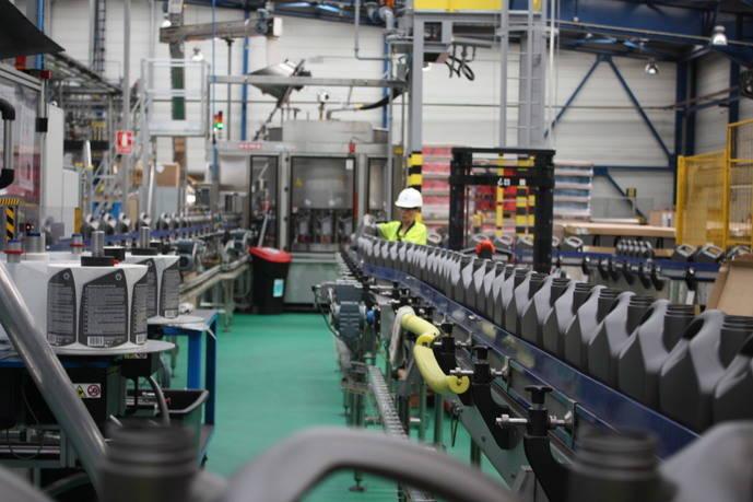 Shell Tarragona ya fabrica lubricantes a partir de gas natural