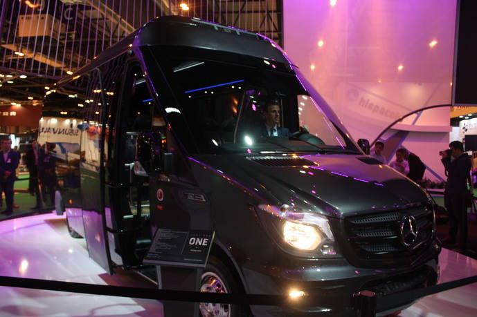 Integralia presenta su innovador microbús en la FIAA de Madrid, ONE