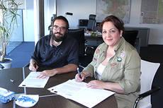Firma del convenio de la EMT de Madrid con la Casa Gitana