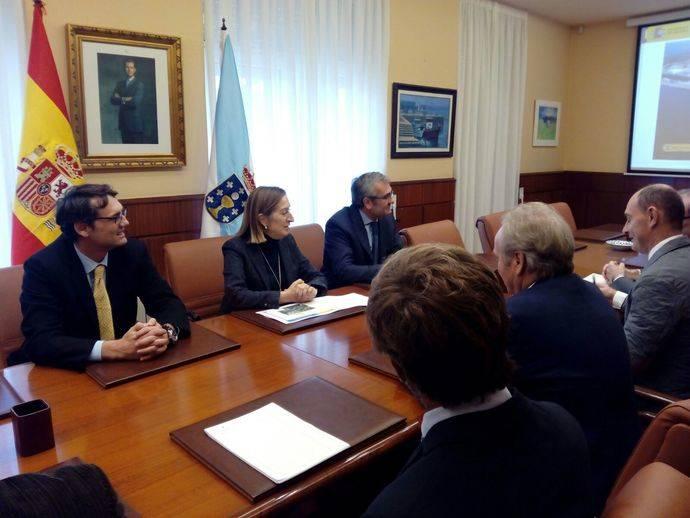 Fomento entrega a Autoridad Portuaria el proyecto para el puerto de Ferrol