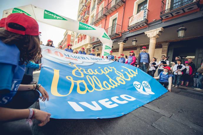 Empleados de Iveco durante la '40ª Marcha Asprona Valladolid'.