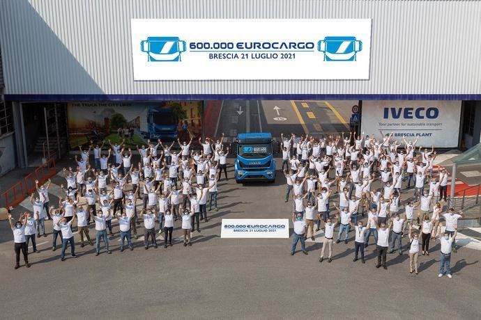 Iveco celebra el Eurocargo número 600.000, fabricado en Brescia