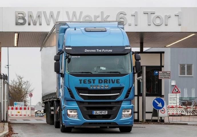BMW elige al Stralis NP para probar la tecnología GNL en su cadena logística