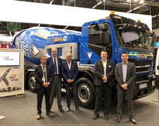 Iveco suministra a Jacky Perrenot con seis modelos Stralis X-Way NP