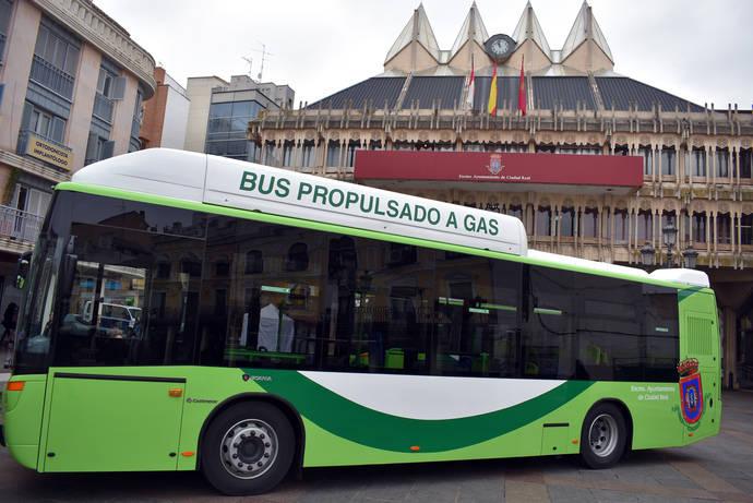 Ciudad Real renueva su flota urbana con tres autobuses GNC de Scania