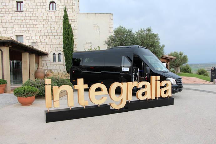 Integralia entrega el primer microbús ONE construido sobre Mercedes-Benz Sprinter