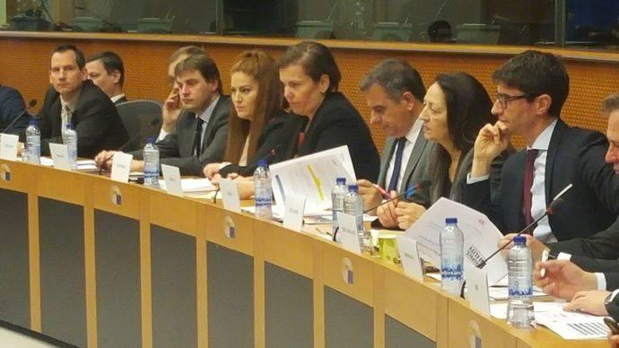 Astic pide en Bruselas ley que impida proteccionismos y asegure competencia