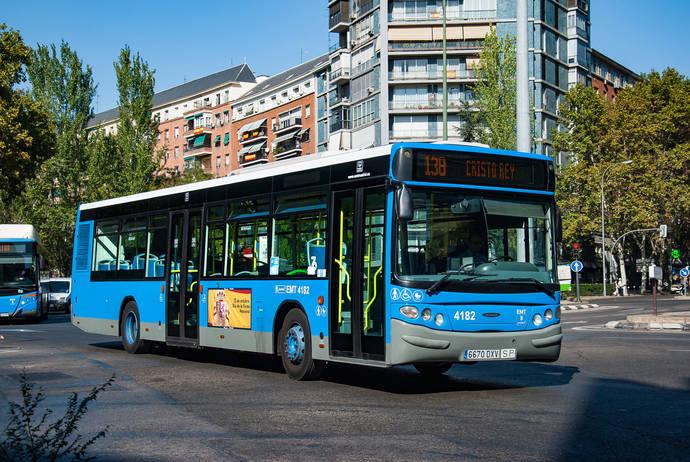 EMT de Madrid decide mejorar el servicio de doce de sus líneas