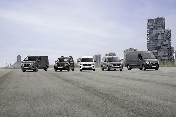 Interstar, Primastar y la nueva Townstar: la renovada gama de furgonetas Nissan