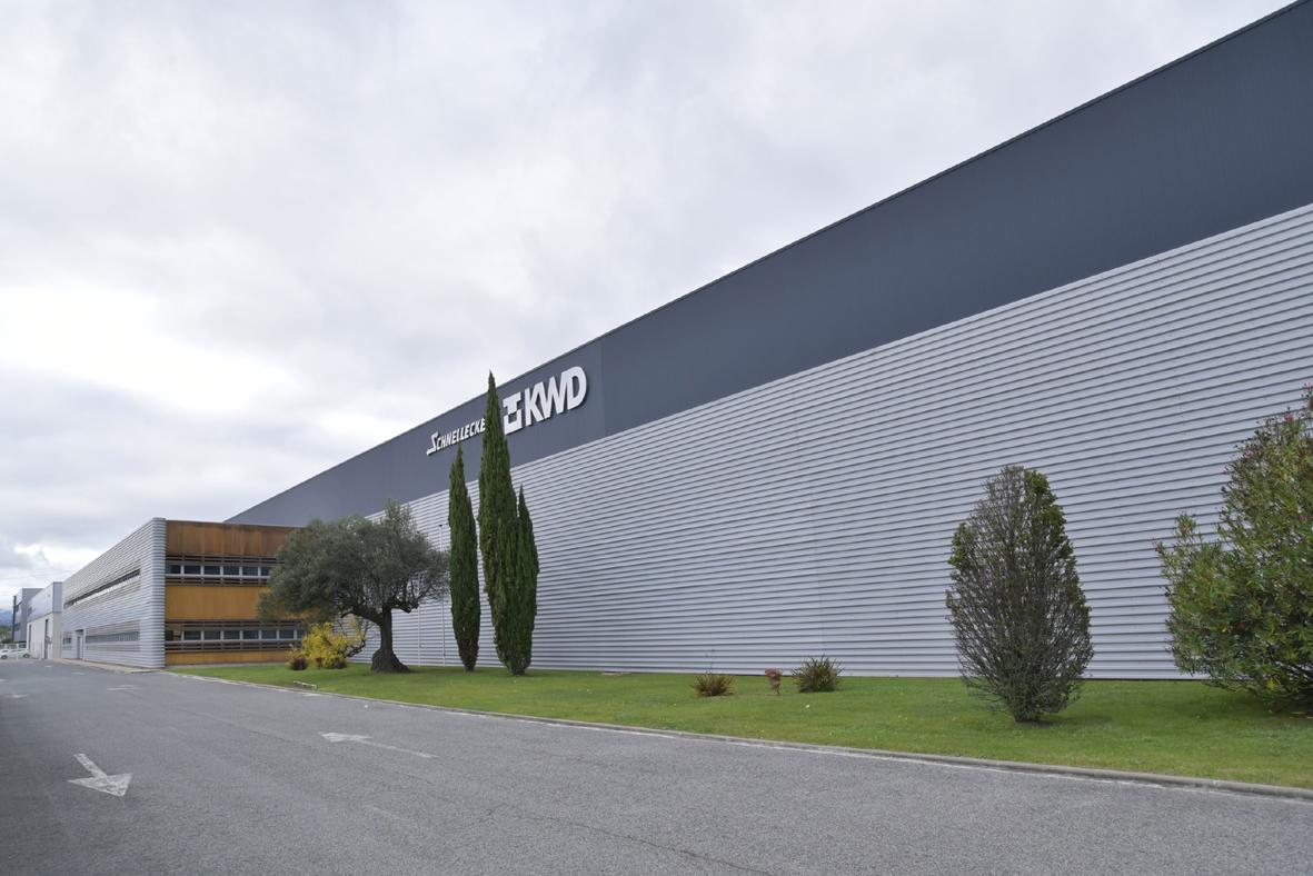 KWD se reinventa como fabricante de piezas