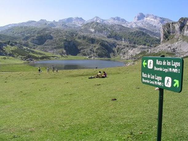 El plan especial de transporte a los lagos de Covadonga, operativo en Semana Santa
