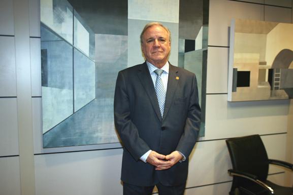 Juan Francisco Lazcano, reelegido presidente de la AEC