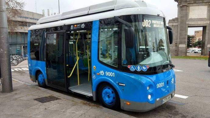 El autobús de la nueva línea madrileña 002.