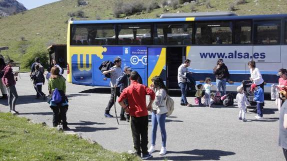 El acceso a los Lagos de Covadonga compete a la DGT