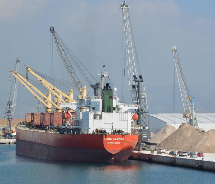 PortCastelló cierra el mejor noviembre de su historia en tráfico mercantil