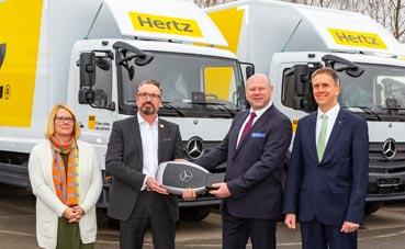 Hertz renueva su flota con 542 vehículos de Mercedes-Benz