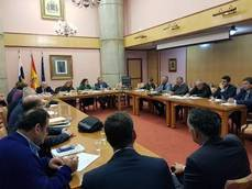 Representantes del transporte durante la Mesa de Viajeros con el gobierno canario.