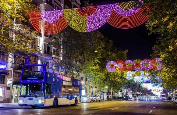Arranca el 'Naviluz', bus de EMT Madrid para ver iluminación navideña