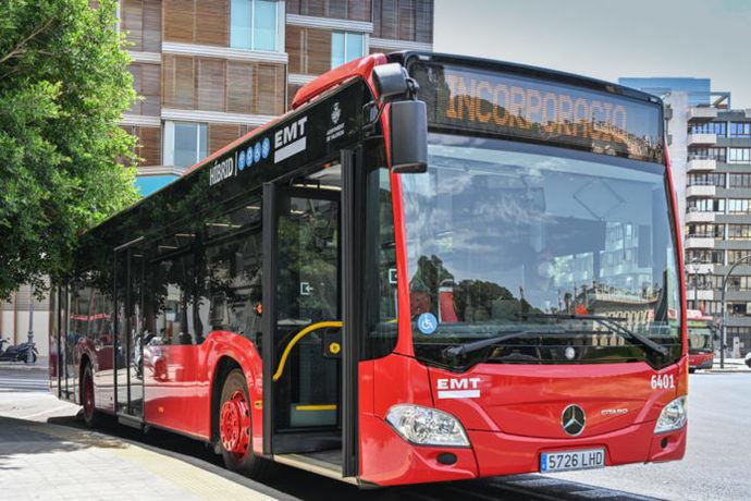 EMT Valencia, primera en estrenar 164 autobuses híbridos