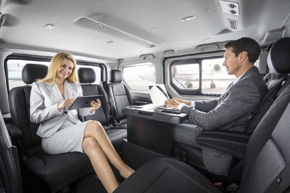Opel presenta sus nuevos comerciales largos, Vivaro Tourer y Combi Plus