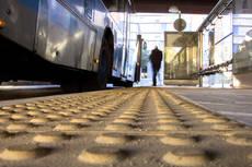 EMT de Madrid mejora la accesibilidad de 35 paradas de la red