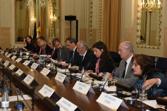 Fomento crea el Observatorio para la Internacionalización del Transporte
