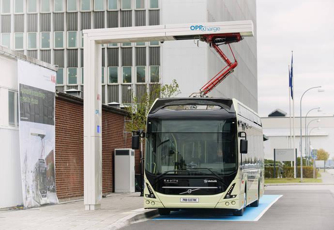 Estación de carga para los autobuses eléctricos basada en la interfaz abierta OppCharge.