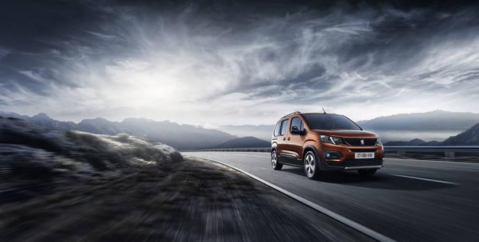 Peugeot presenta su nuevo vehículo, el innovador Rifter