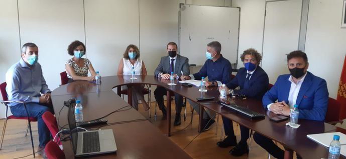 Direbús toma parte de la problemática del transporte escolar de Murcia