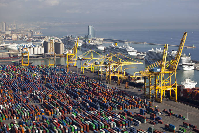 Puertos españoles baten récords, con 545 millones de toneladas en 2017