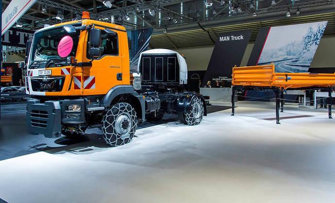 Premio a la innovación de la VAK para el camión municipal multiusos de MAN