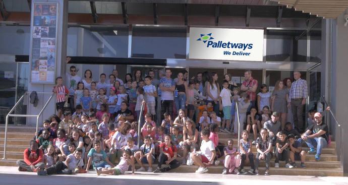 Palletways Iberia celebra su 12º aniversario con un acto solidario