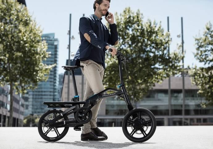 La movilidad urbana entra en nuevo ciclo con la Peugeot eF01