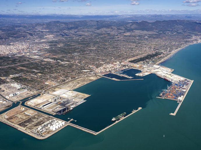 Acuerdo entre los transportistas de Astraport y APM Terminals en el puerto de Castellón