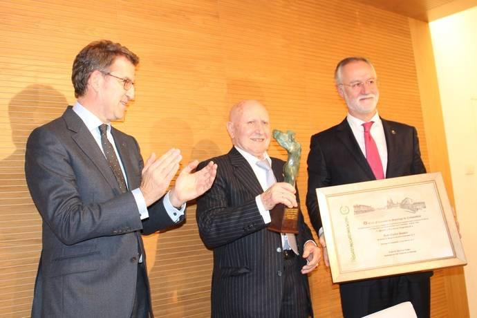 Empresarios compostelanos dan Castrosua el VI Premio Excelencia Empresarial