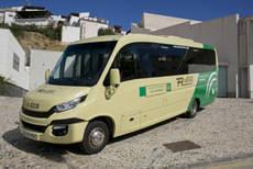 Alora adquiere un microbus Iveco a Autocares Rivero