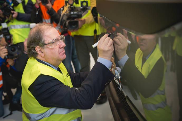 La planta de Iveco en Valladolid recibe a Juan Vicente Herrera, presidente de Castilla y León