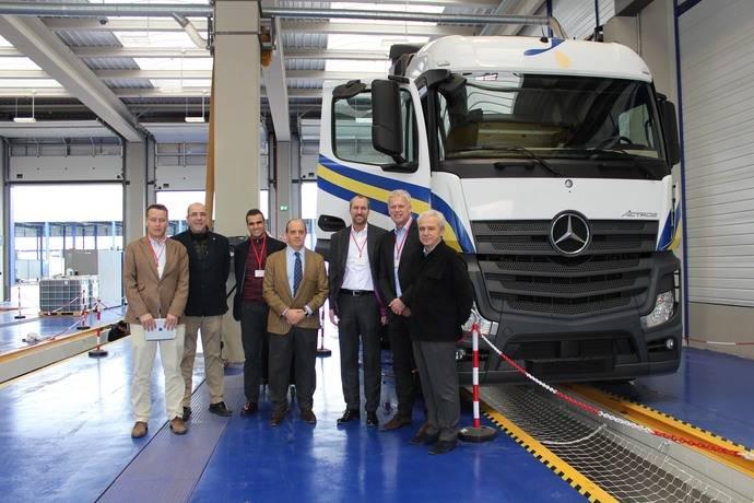 Mercedes visita sus talleres especializados, en la sede de Primafrio